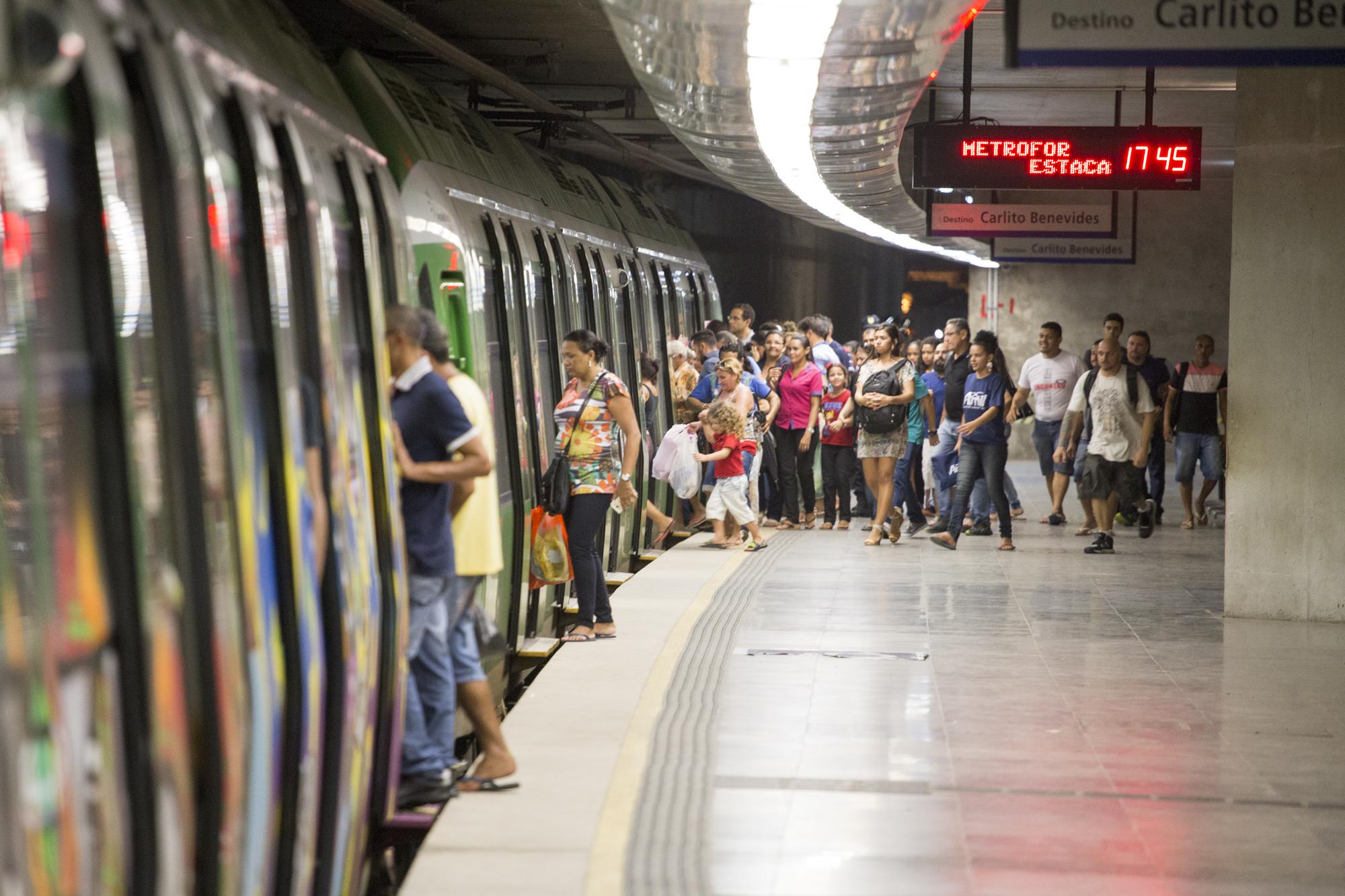 Metrofor opera linhas até 20h nesta quinta-feira (17/1)