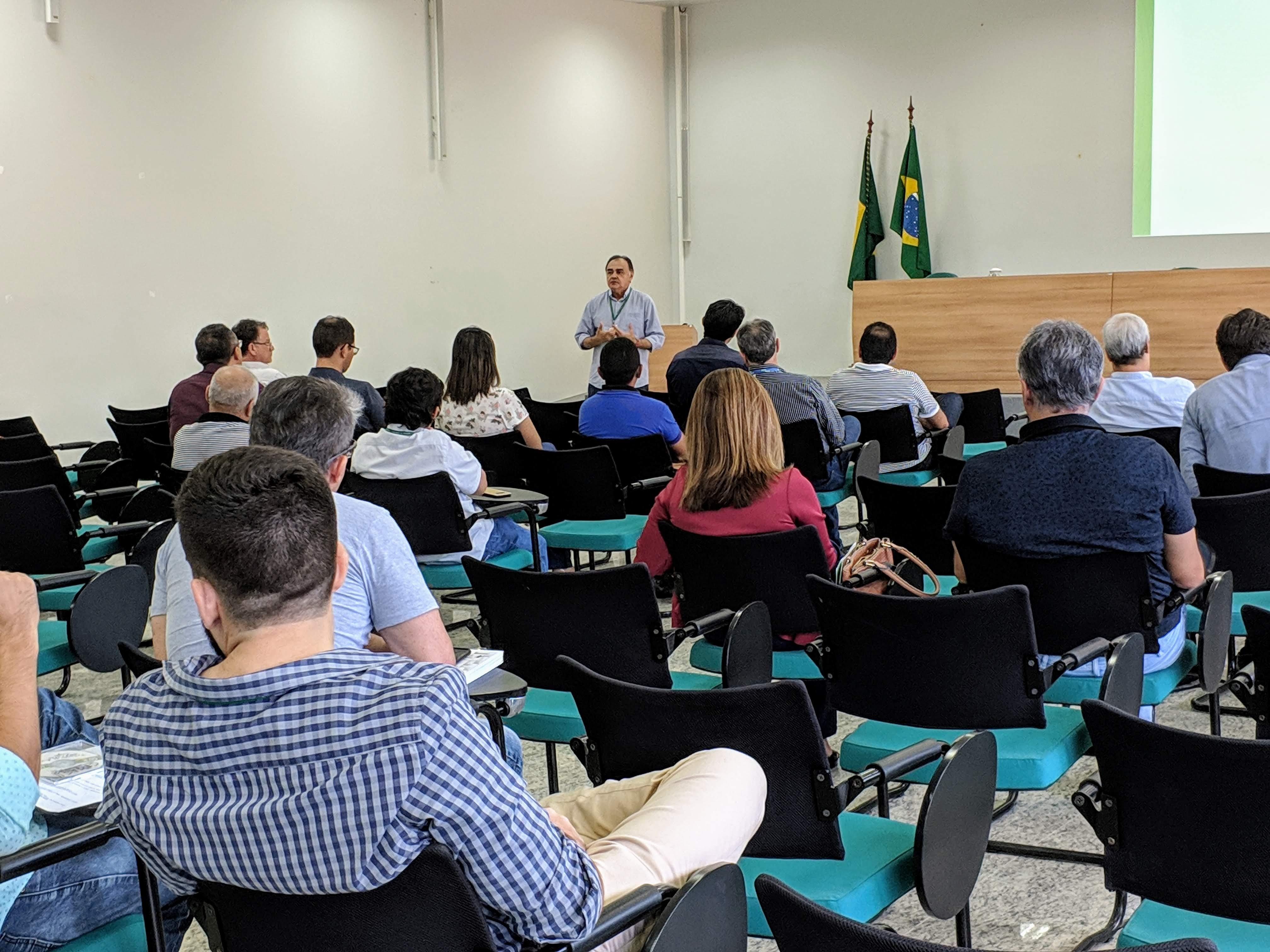Seinfra realiza workshop sobre redução nas contas de energia em órgãos públicos e geração distribuída solar no Ceará